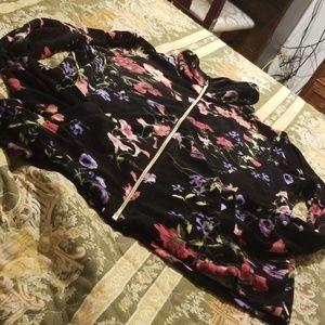 Beautiful black flowered velvet zip-up jacket